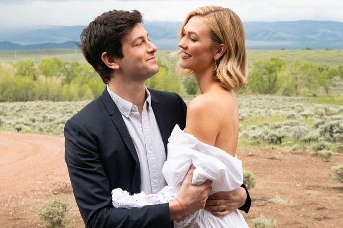 La modelo Karlie Kloss celebró su segunda boda con temática country 1