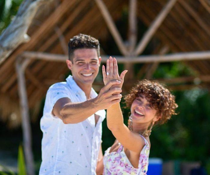 Campanas de boda 2020: Sarah hyland y Wells Adams se casan 👰 🤵 1
