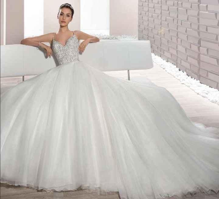2 novias, 6 tipos de vestido ¡VOTA por tu favorito!