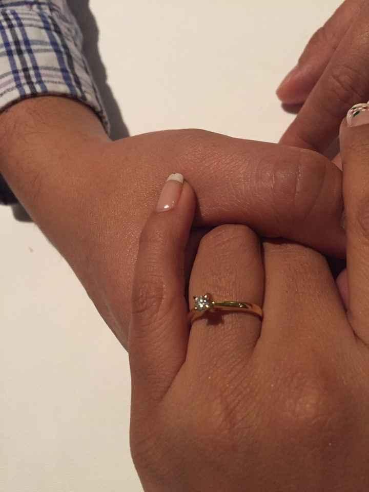 ¿De qué color tenías las uñas cuando te dieron el anillo de compromiso? - 2