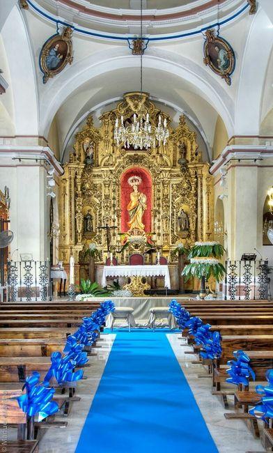 Iglesia con alfombra verde? - 3
