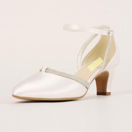 Zapatos bajos para novia 8