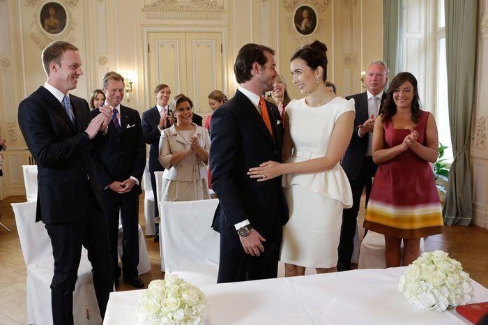 ¿Cuántos testigos tiene que haber como mínimo el día de la boda civil? 1