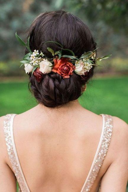 ¿Tocado con flores o tiara? ¡DECIDE! 1
