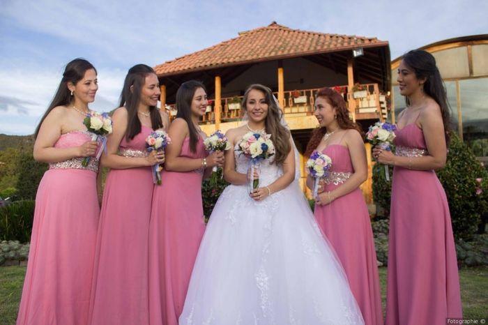 Estos vestidos de damas de honor: ¿cuál aprueba y cuál jala? 2