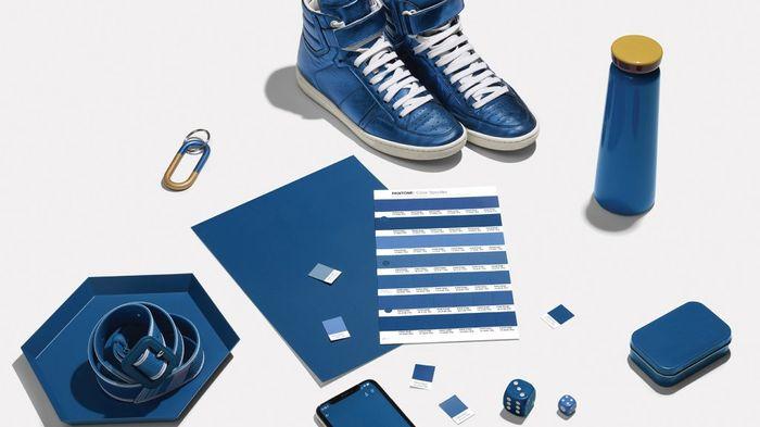 "Nuevo color PANTONE 2020 ""Classic Blue"" 2"