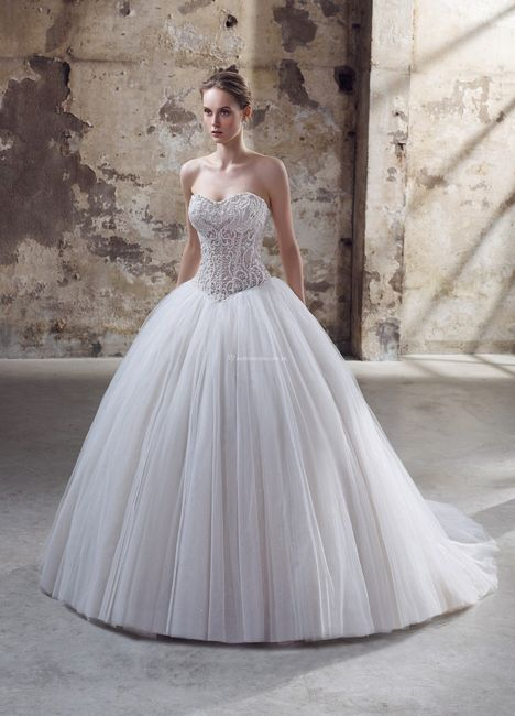 Vestidos de novia con un brillo muy especial  ✨ 3