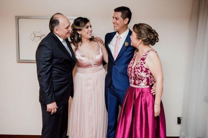 ¿A qué familia anunciaron primero su compromiso? 1
