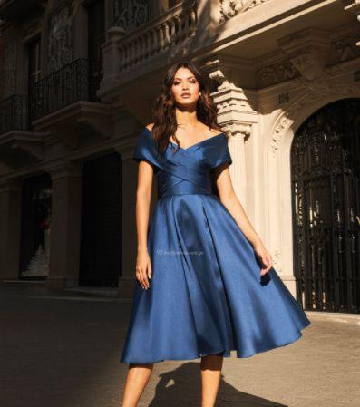 Este vestido de fiesta va con ..... 1