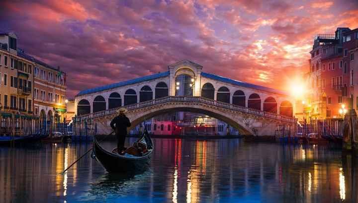b. Venecia