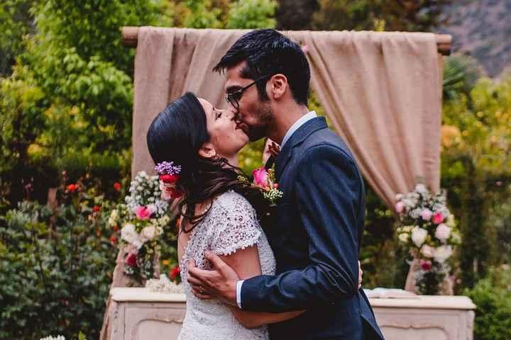 Primer beso de casados ¡A practicar! 💋 - 1