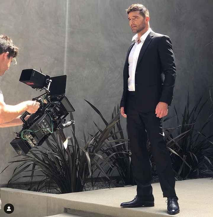 Los 5 lookazos de Ricky Martin que van con un dress code elegante - 2