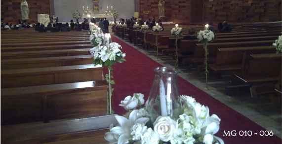 decoración de flores y velas