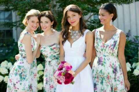 El color del vestido de las damas?? Pastel o intenso???? - 1