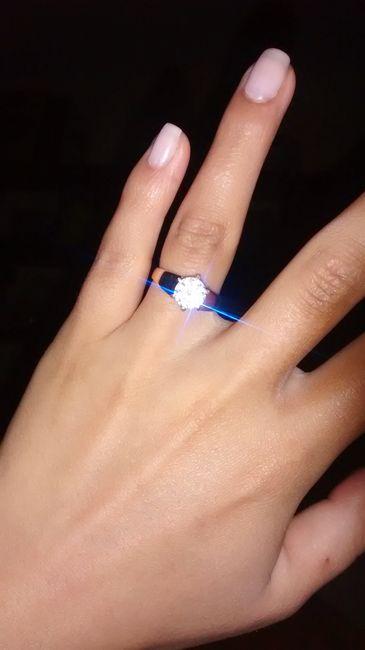 Cómo es su anillo de compromiso? - 1