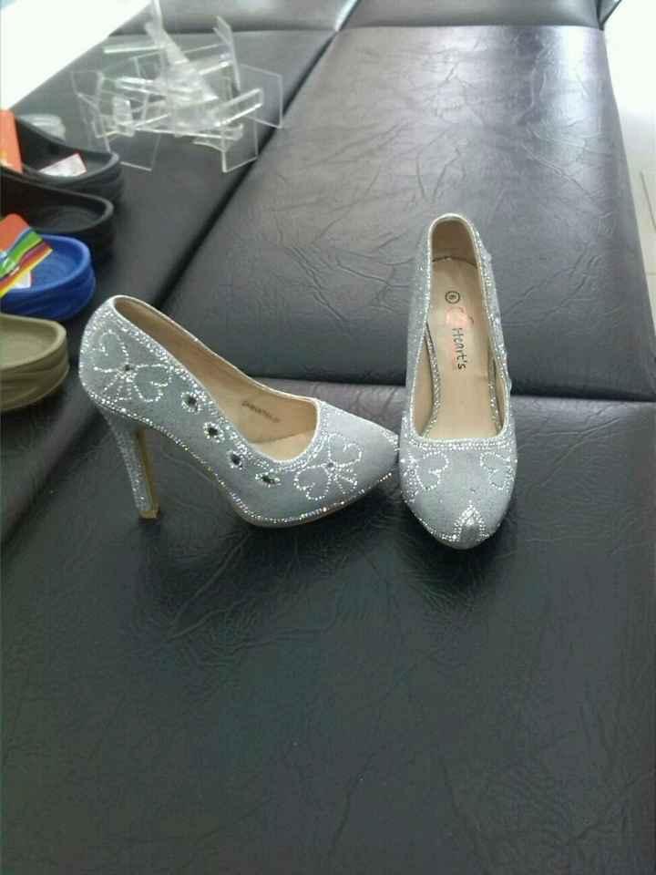 Encontre mis zapatossss - 1