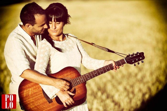 19. Sesión Fotográfica con una Guitarra