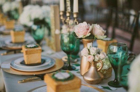 paleta de color - verde esmeralda y dorado