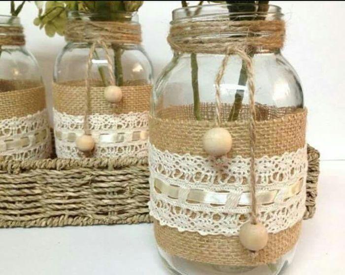Botellas y frascos decorado con yute estilo vintage for Decoracion de frascos de vidrio para cocina