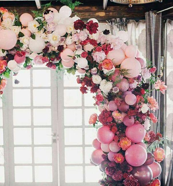 Decoraciones con globos y flores for Como hacer adornos con plantas naturales