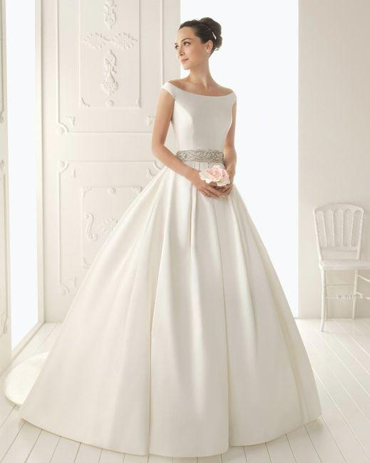 Vestido Corte princesa tela lisa 3