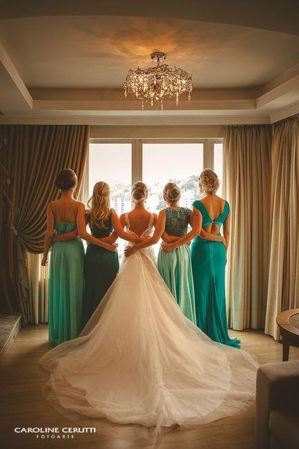 Help ! Donde consiguieron los vestidos de las damas para que vayan todas iguales ? Alquiler o venta ? 3