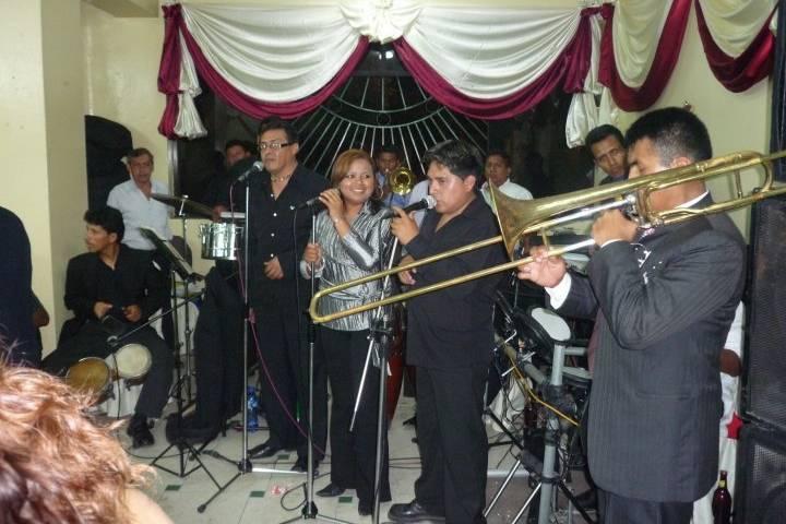 Orquesta Internacional Costa Azul