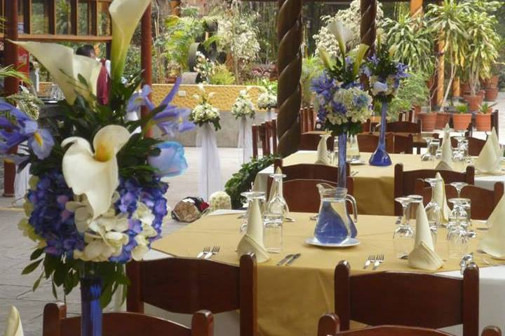 Charming Gardens Bouquets