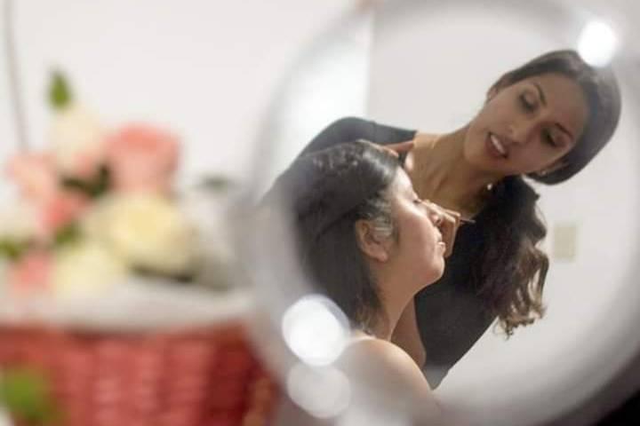 Eli Eyzaguirre - Makeup Artist